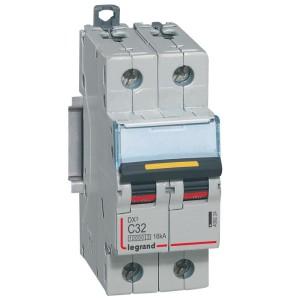 Disjoncteur DX³ 10000 - 16kA - 2P 230 à 400 V~ 32A - courbe C - 2 modules LEGRAND