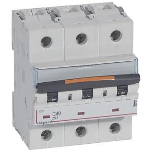 Disjoncteur DX³ 25kA - 3P 400V~ - 40A - courbe C - 4,5 modules LEGRAND