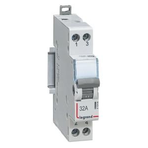 Interrupteur-inverseur modulaire interrupteur contact NO+NF 250V~ - 1 module LEGRAND