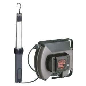 Baladeuse 24V~ 11W fluorescente IP42 IK08 à interrupteur - enrouleur à rappel automatique et transformateur de sécurité LEGRAND