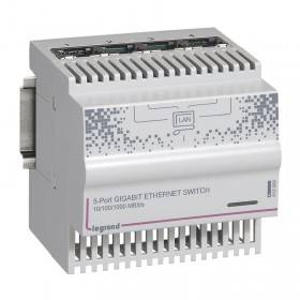 Switch Ethernet 4 sorties RJ45 1Gigabit - IP20 IK04 - 4 modules LEGRAND