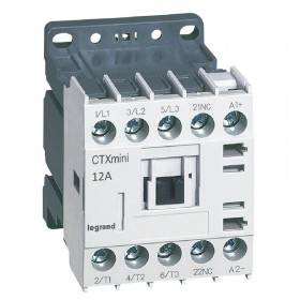 Mini-contacteur CTX³ 3 pôles 12A 1NF - tension de commande 24V LEGRAND