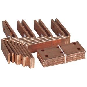 Kit de connexion VX³ pour jeux de barres d'entraxes différents alignées en armoire profondeur 975mm LEGRAND