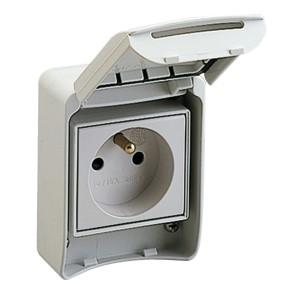 Prise de courant FR 2P+T - 65x85mm - 10/16A 250V - IP55 - gris RAL7035 - PRATIKA SCHNEIDER