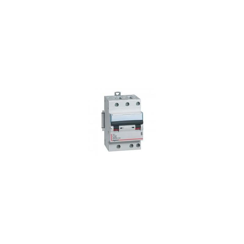 Disjoncteur tripolaire 32A courbe C - 6kA - 400V~ 1 module - vis/vis DX³4500 LEGRAND