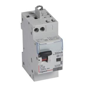 Disjoncteur différentiel DX³4500 arrivée haute vis et départ haut automatique U+N 230V~ - 32A typeAC 300mA - 2 modules LEGRAND