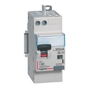Disjoncteur différentiel DX³4500 arrivée haute vis et départ haut automatique U+N 230V~ - 40A typeAC 300mA - 2 modules LEGRAND