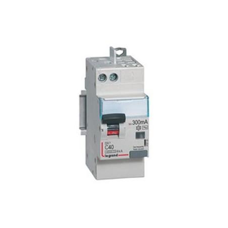 Disjoncteur différentiel U+N 230V~ - 40A typeAC 300mA - 2 modules - vis auto - DX³4500 LEGRAND