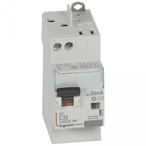 Disjoncteur différentiel DX³4500 arrivée haute vis et départ haut automatique U+N 230V~ - 32A typeAC 30mA - 2 modules LEGRAND