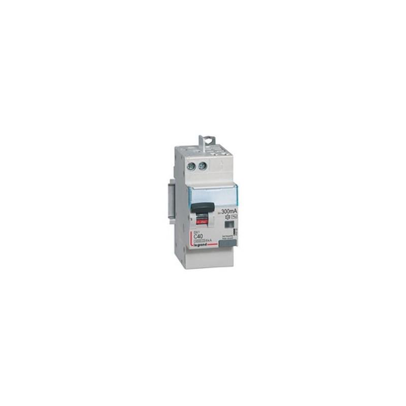 Disjoncteur différentiel U+N 230V~ - 10A typeAC 30mA - 2 modules - auto/vis - DX³4500 LEGRAND
